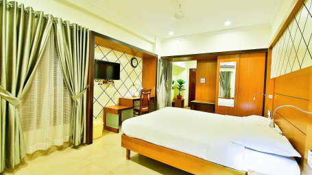 ROOMS , Sree Gokulam Fort Hotel ,Budget Hotel in Thalassery12