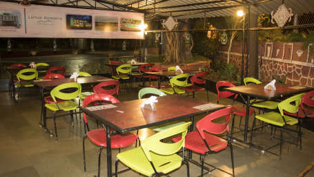Kamat ni Waidi Restaurant at Kamfotel Hotel in Nashik, Hotels in Nashik