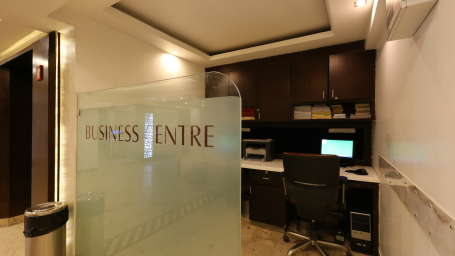 Business Centre at Le ROI Delhi Hotel Paharganj