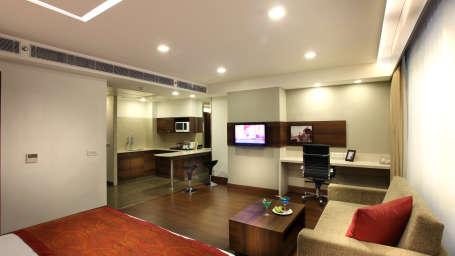 Premiere Suite at Mahagun Sarovar Portico Vaishali, ghaziabad hotels 3