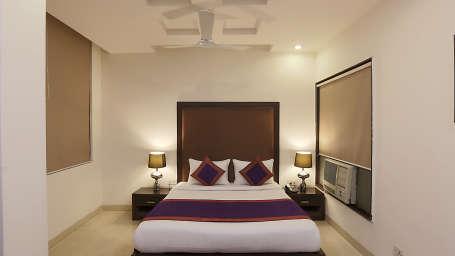 Star Hotels, Delhi  Deluxe Room 4 Hotel Star Delhi