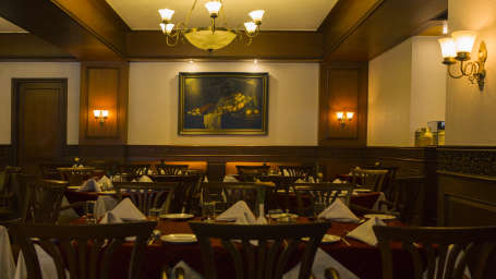 The Silver Oak Restaurant, Restaurant in Kodaikanal, The Carlton, 5 Star hotel in Kodaikanal 1