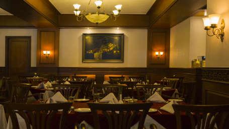 The Silver Oak Restaurant at The Carlton - Best 5 Star Hotel in Kodaikanal, Restaurants in Kodaikanal