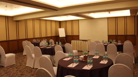 Churchill Banquet Hall The Orchid Hotel Mumbai Vile Parle near Mumbai Airport Domestic Terminal 3 rijk6z