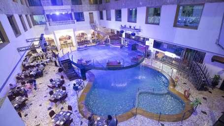 Poolside Cafe at VITS Hotel, Mumbai
