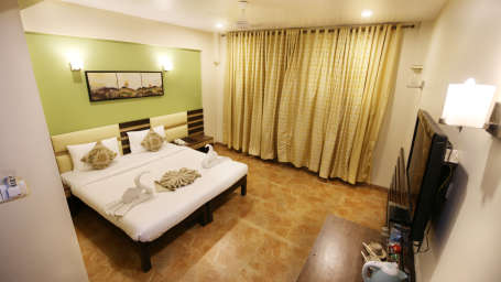Super Deluxe Room, Zara's Resort, Khandala, Rooms in Lonavla