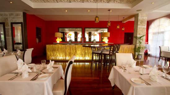 Spanish Court Kingston, Restaurant