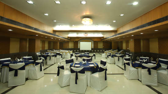 Emblem Hotel, Sector 14, Gurgaon Gurgaon Banquet hall in Emblem Hotel Sector 14 Gurgaon 3