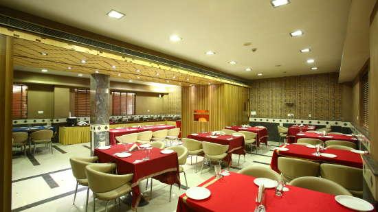 Emblem Hotel, Sector 14, Gurgaon Gurgaon Restaurant 3 Emblem Hotel Sector 14 Gurgaon