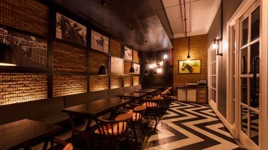 tattenham corner-Lounge Bar in Bhopal-Jehan Numa Palace Bhopal-restaurants in Bhopal 2