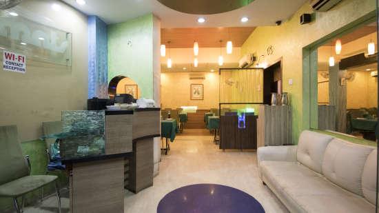 Reception of Kamfotel Hotel Nashik
