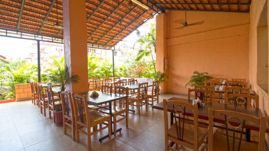 Sea Wave Multi-Cuisine Restaurant in Goa at Lotus Beach Resort in Benaulim 10