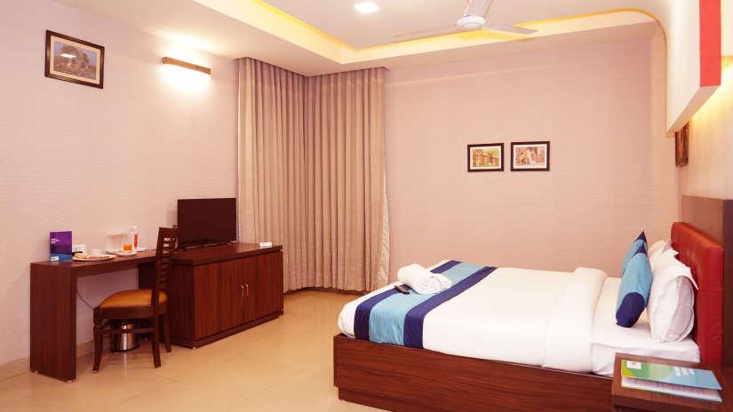 Hotel in Noida, Mint Metropolitan Grand, Noida 7