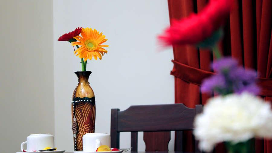 Hotel Arches, Fort Kochi Kochi coffee table 2 Hotel Arches Fort Kochi