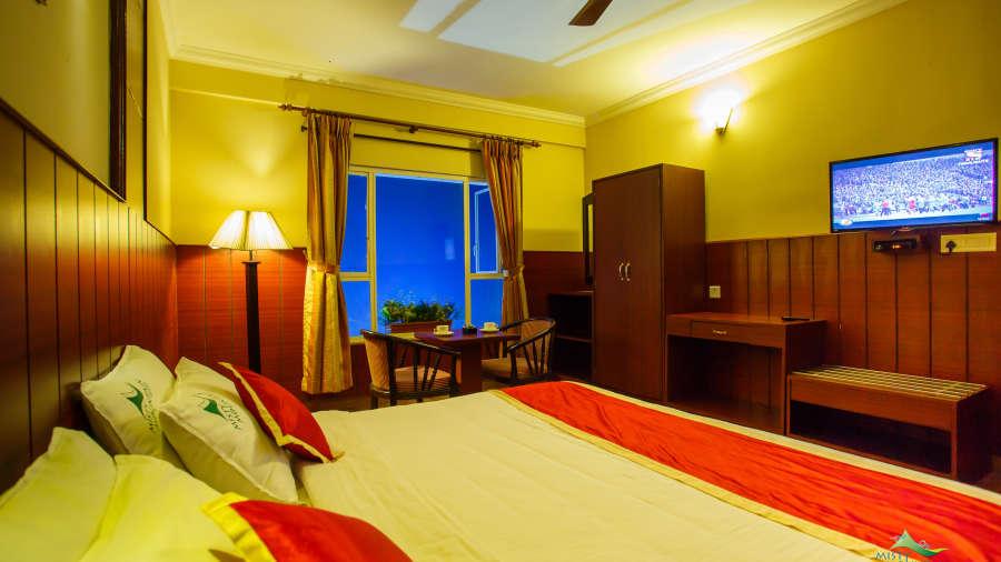 Misty Mountain Resort, Munnar Munnar Valley View Suite Misty Mountain Resort Munnar 3
