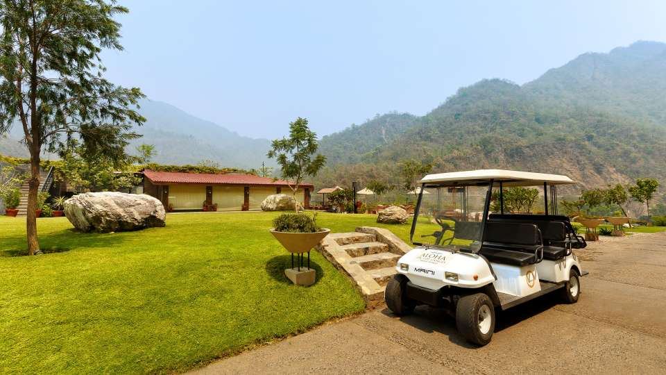 Golf CartAloha on the Ganges Rishikesh e9cx7q