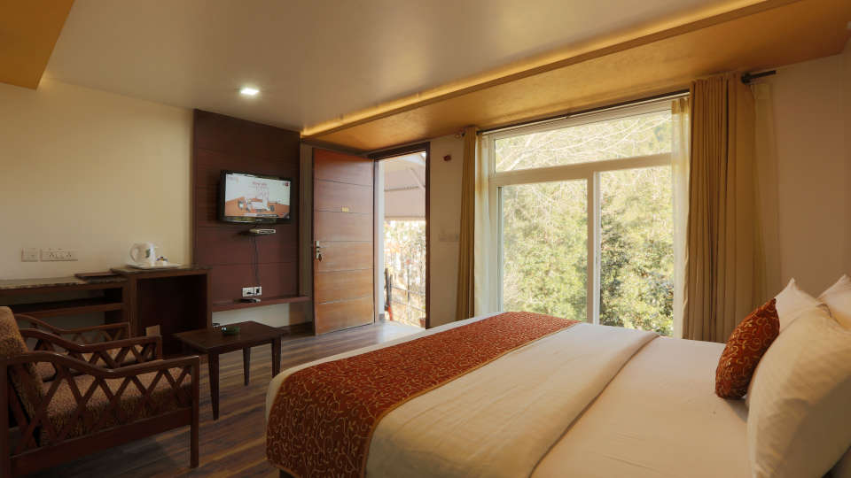 Deluxe Room with garden view at Alps Resort Dalhousie 1