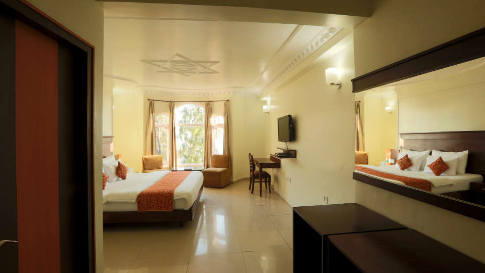 Deluxe Room with garden view at Alps Resort Dalhousie 7