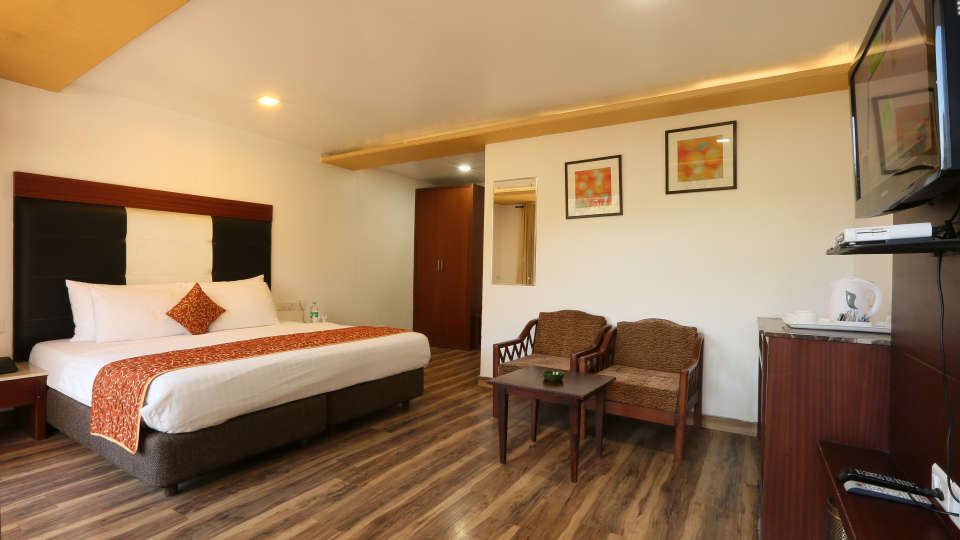 Deluxe Room with garden view at Alps Resort Dalhousie 9
