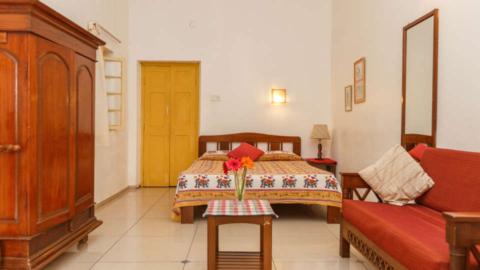 Casa Cottage Hotel, Bangalore Bangalore Casa-Cottage-Heritage-Hotel-Bangalore-City-Center-Quiet-Peaceful-English-Bungalow 10