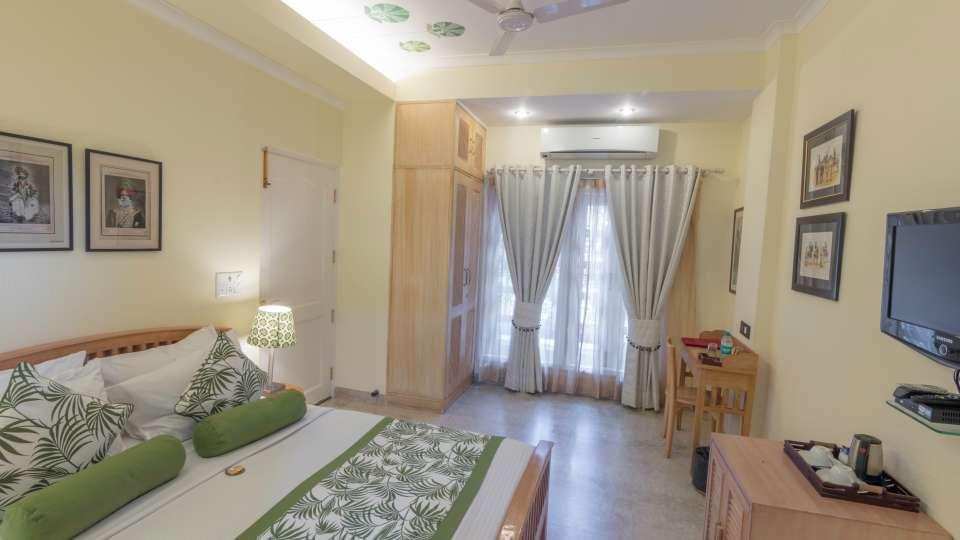 Standard Rooms 5, Colonels Retreat,Hotels Near Lajpat Nagar Metro