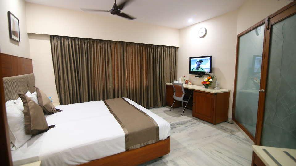 Suite at Hotel Daspalla Executive Court Vishakapatnam 6