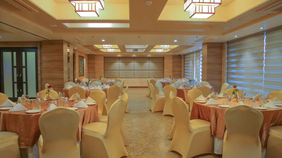 Meeting and Events at Efcee Sarovar Portico , Hotels in Bhavnagar  1