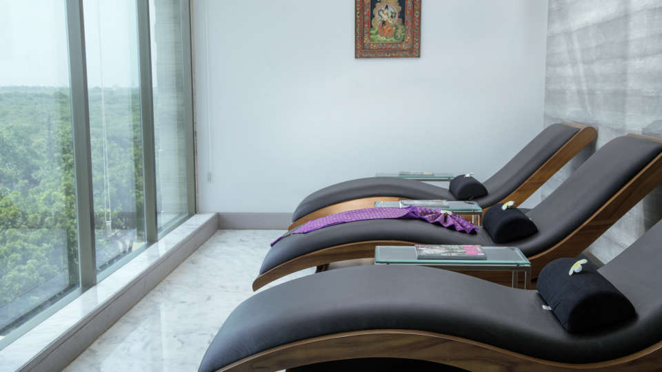 Spas in Bhavnagar, efcee sarovar portico, business hotels in bhavnagar