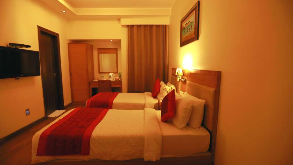 Evoke Lifestyle New Delhi Hotel deluxe room 3