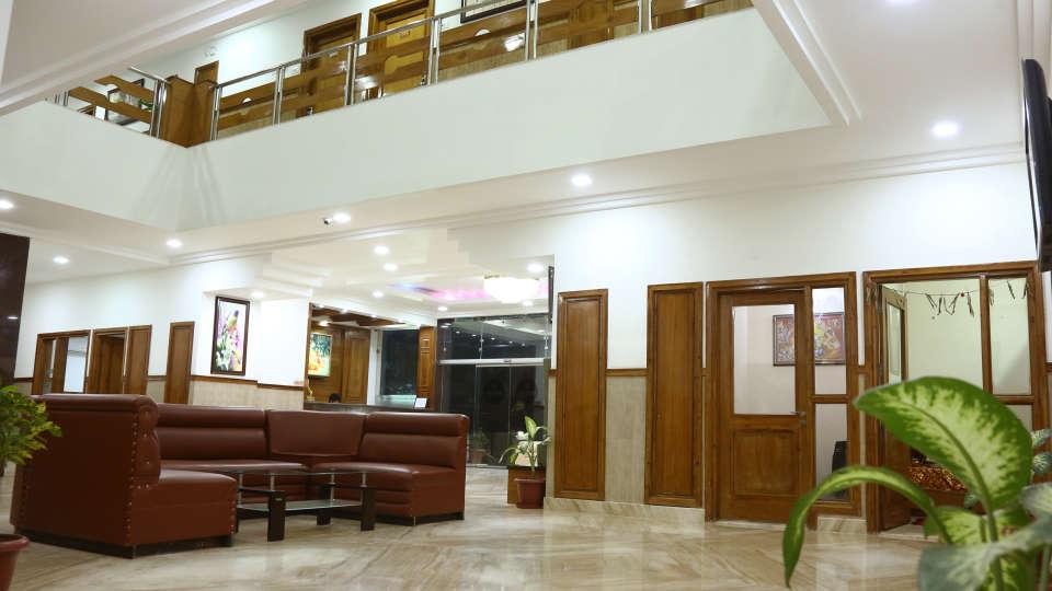 Lobby 11
