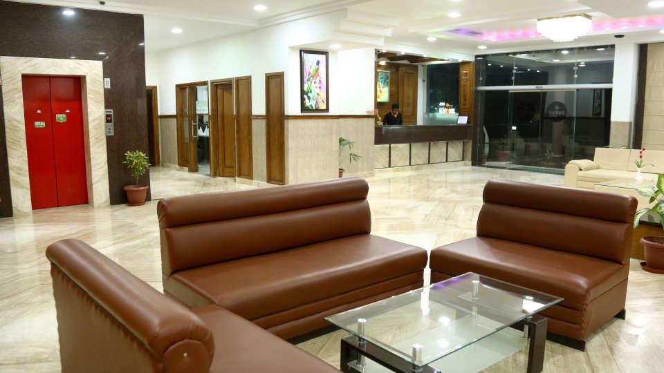 Lobby 12