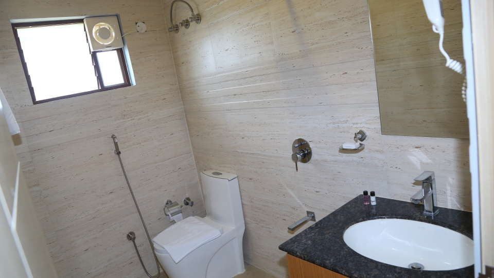 Premier Room Bath Room