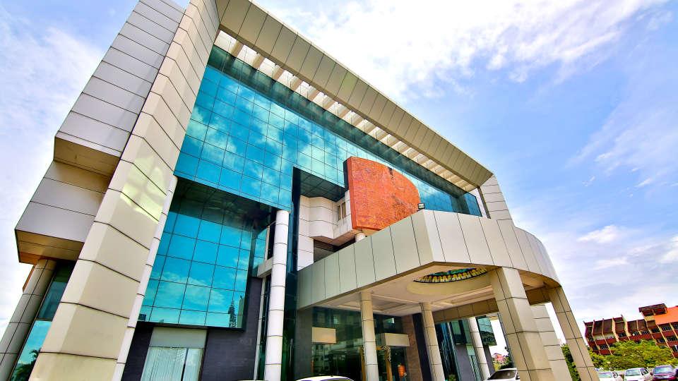 gokulam park and convention centre kochi 1