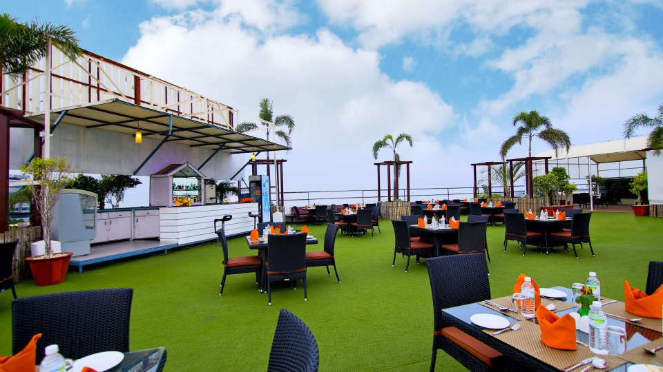 Skyline Roof Garden 4, Gokulam Park Sabari, Rooftop Restaurant in Chennai