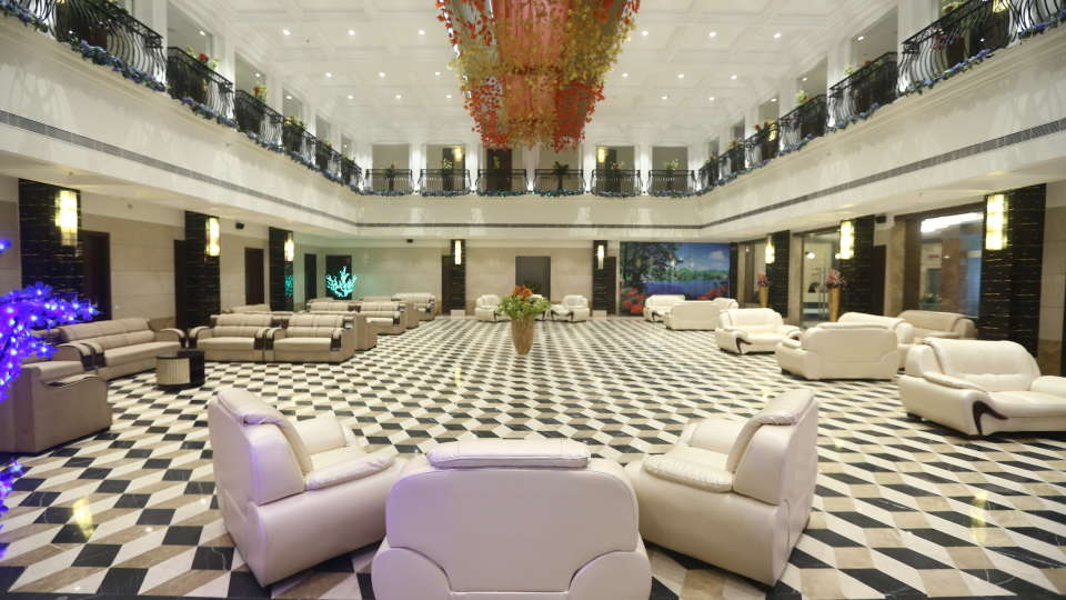 Lobby Grand Venizia Model Town New Delhi 20