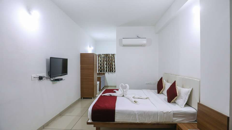 Executive Room at Hotel Ashray Inn Express Airport Road2