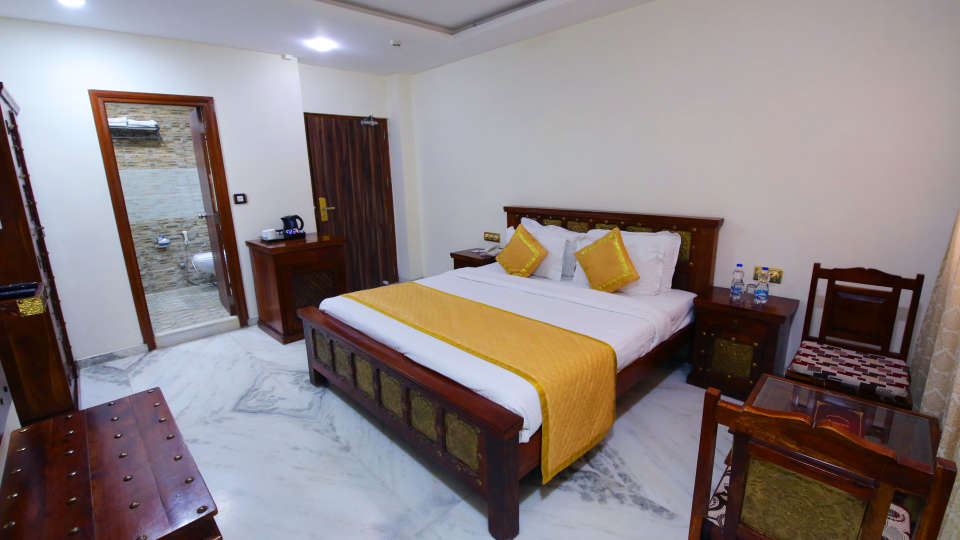 Deluxe Heritage, Hotel Crimson Park The Heritage Jal Mahal Jaipur, Rooms in Jaipur 1112