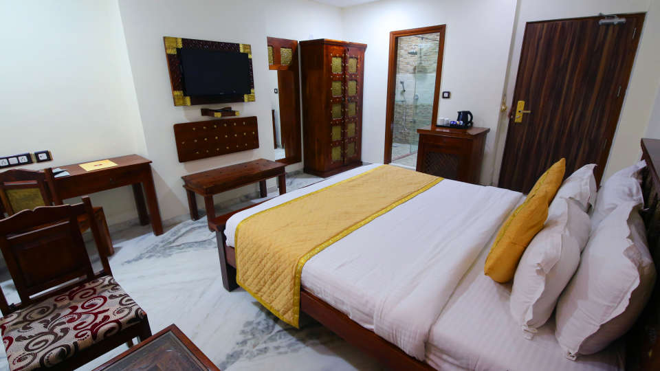 Deluxe Heritage, Hotel Crimson Park The Heritage Jal Mahal Jaipur, Rooms in Jaipur 123