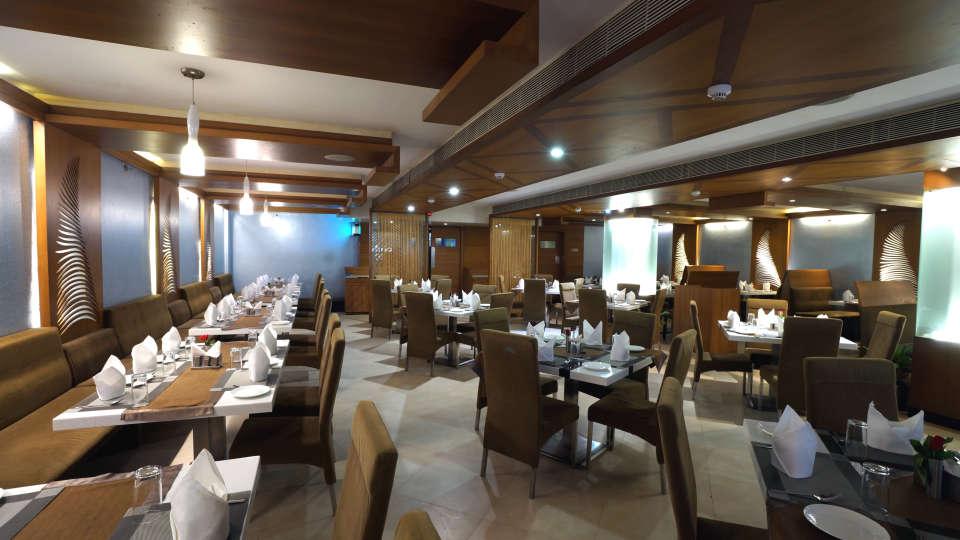 DAKSHIN restaurant at Hotel Daspalla Visakhapatnam 3