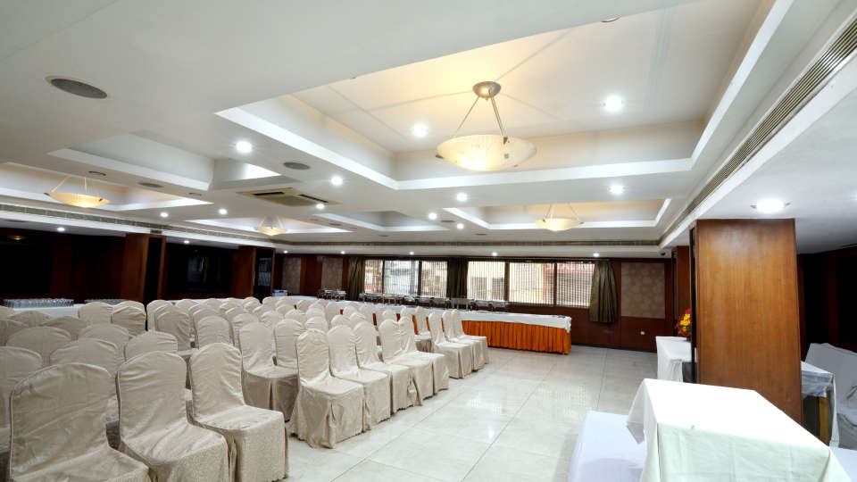 Banquet Halls at Hotel Geetha Regency in Guntur 4