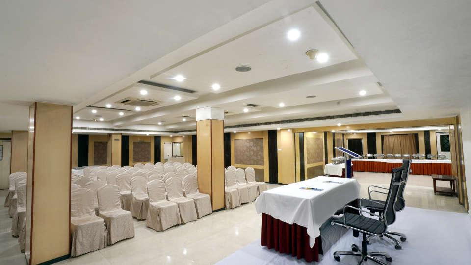 Banquet Halls at Hotel Geetha Regency in Guntur 6
