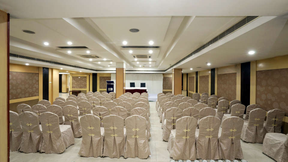 Banquet Halls at Hotel Geetha Regency in Guntur 8