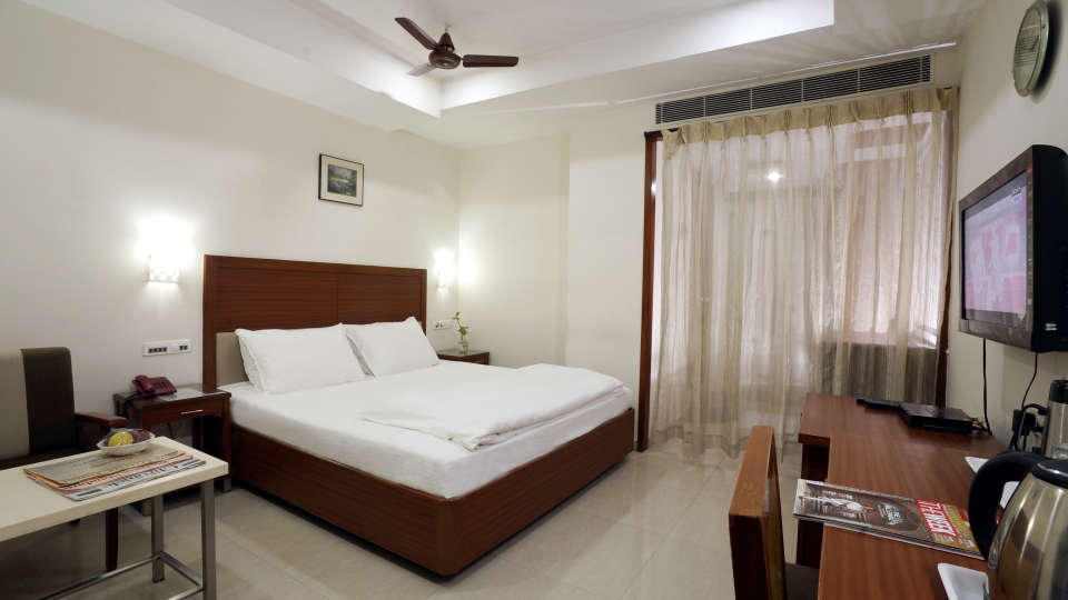 Deluxe Room at Hotel Geetha Regency in Guntur 1