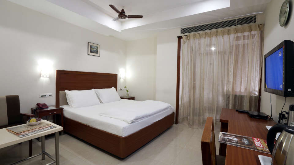 Deluxe Room at Hotel Geetha Regency in Guntur 2