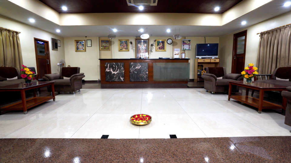 Lobby at Hotel Geetha Regency in Guntur 2