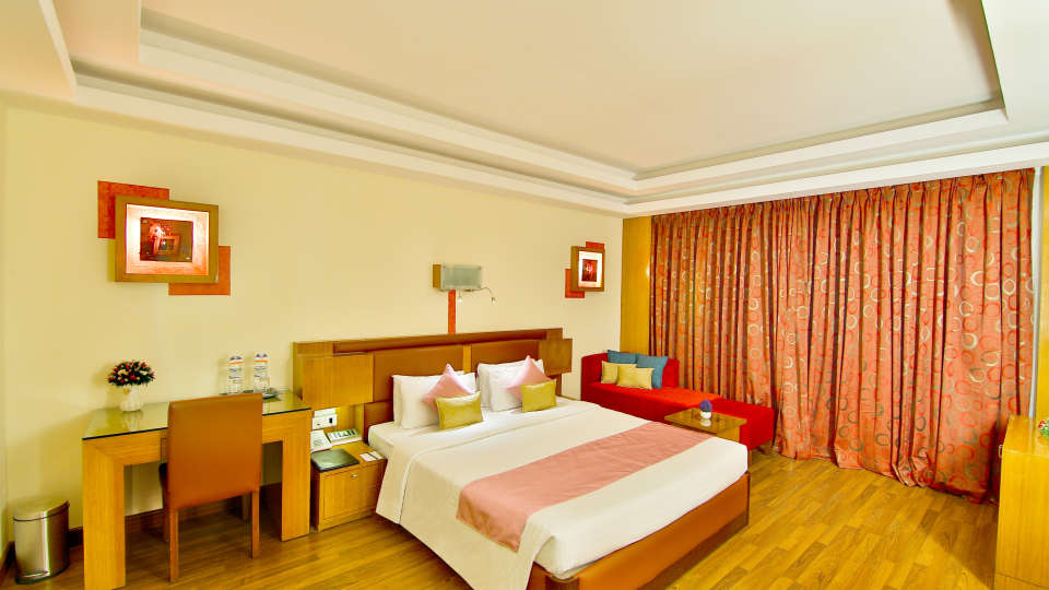 Deluxe Suite at gokulam park and convention centre Cochin, suites in kochi  2