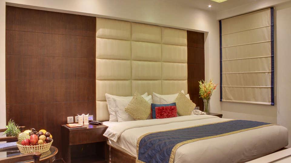 Executive Room Grand Godwin New Delhi 26