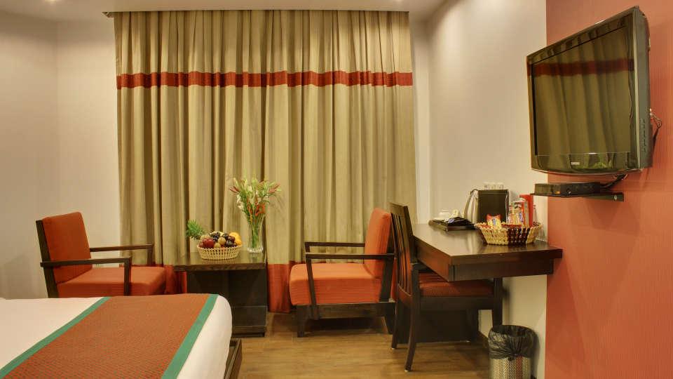 Executive Room Grand Godwin New Delhi 29