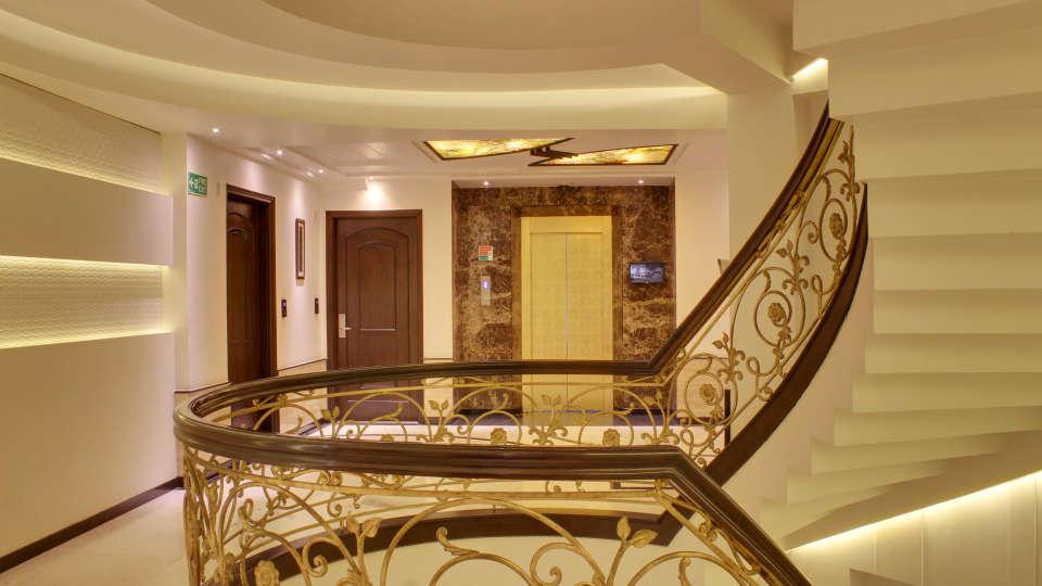 Lobby Grand Godwin New Delhi 9