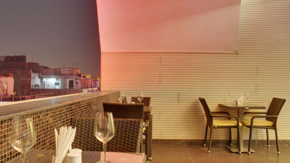 The Grand Lounge Grand Godwin New Delhi 5